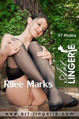 AL – 2012-02-15 – Rilee Marks – 2946 (97) 2000×3000