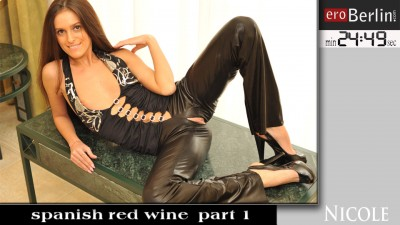 eroberlin_nicole-2_spanish-red-wine1-960