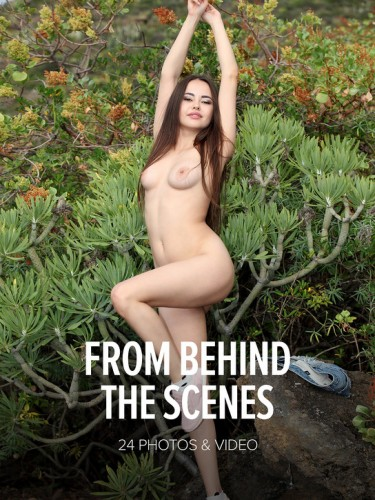W4B – 2018-12-25 – Magazine – Li Moon – From Behind The Scenes (24) 5792×8688 & Backstage Video