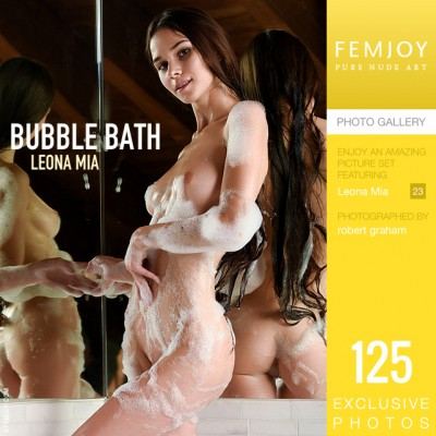 FJ – 2019-12-17 – Leona Mia – Bubble Bath – by Robert Graham (125) 3338×5000
