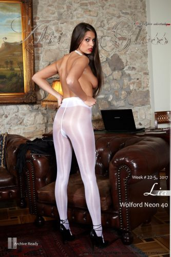 AG – 2017 Week 22-5 – Lia & Wolford Neon 40 [part V] (49) 2000×3000